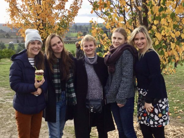 Friends on a private Yarra Valley Tour